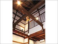 町屋の構造がよく分かる吹き抜け天井