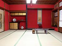 加賀地方独特、朱壁の座敷