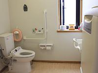 トイレは広くて、子どもに優しい作り