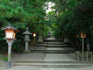 Approach to shrine