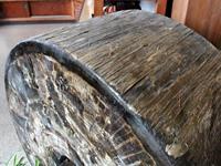 長年働いた風格漂う曳山の車輪
