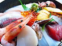 海鮮丼は980円