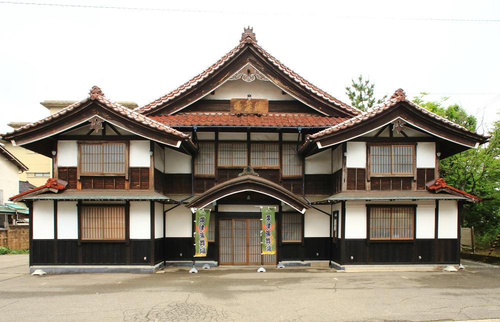 粟津演舞場