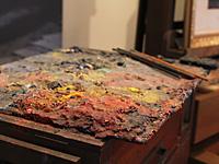 絵の具の盛られたパレット